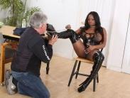 bust-ebony-dominatrix (4)