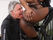 bust-ebony-dominatrix (7)