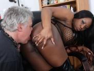 bust-ebony-dominatrix (9)