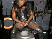 black-strapon-dominatrix (1)