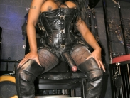 black-strapon-dominatrix (4)