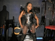 black-strapon-dominatrix (5)