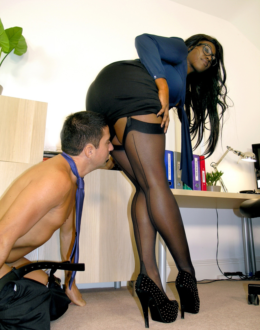 English ebony mistress uses her sissy with no mercy rts - 3 part 4