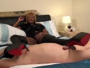 mistress-ava-black (4)